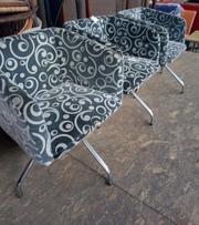 Кресло для кафе серое